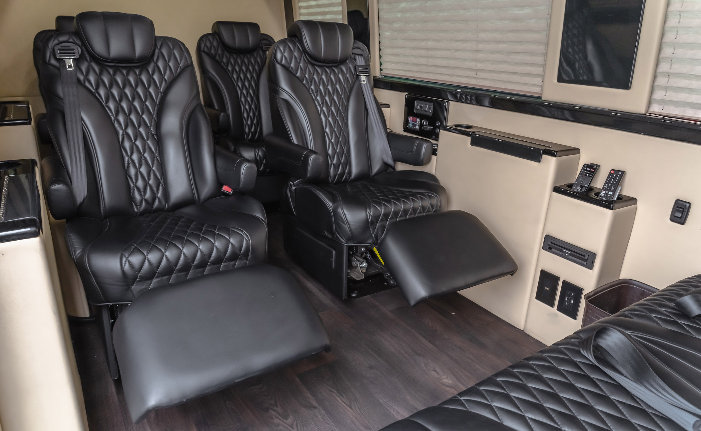 TI1 Luxury Trade In Sprinter Coach